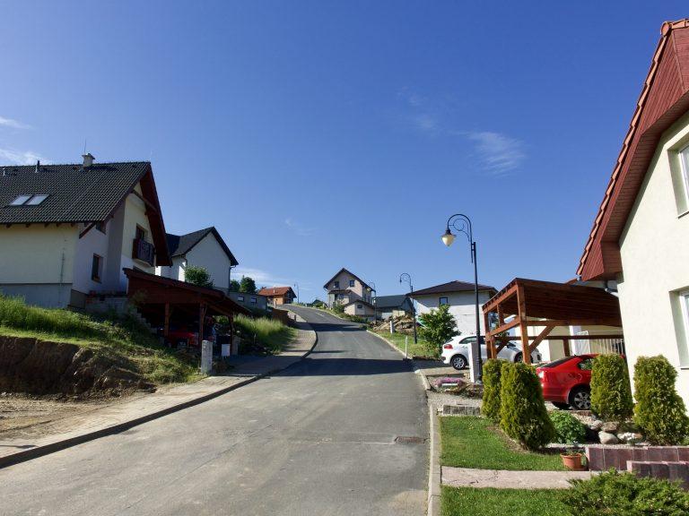Ulica projektu v strmšej časti kopca